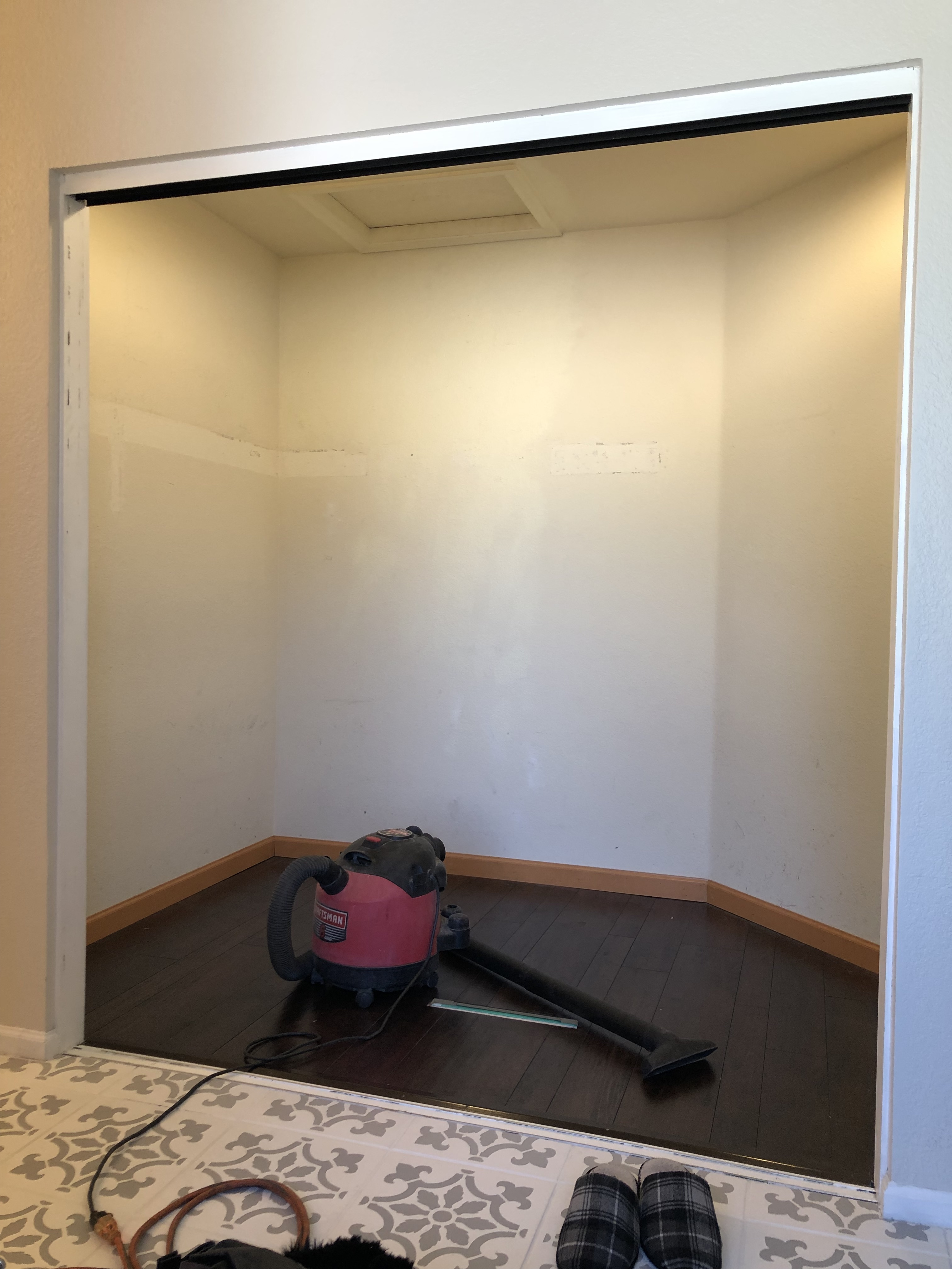 DIY Custom Closet with Modular Closets